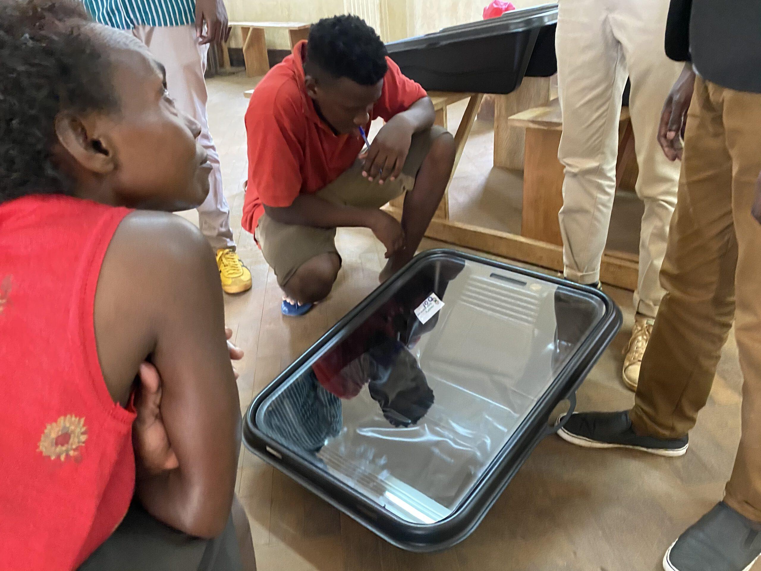 Solar Soaker presented in Kenya