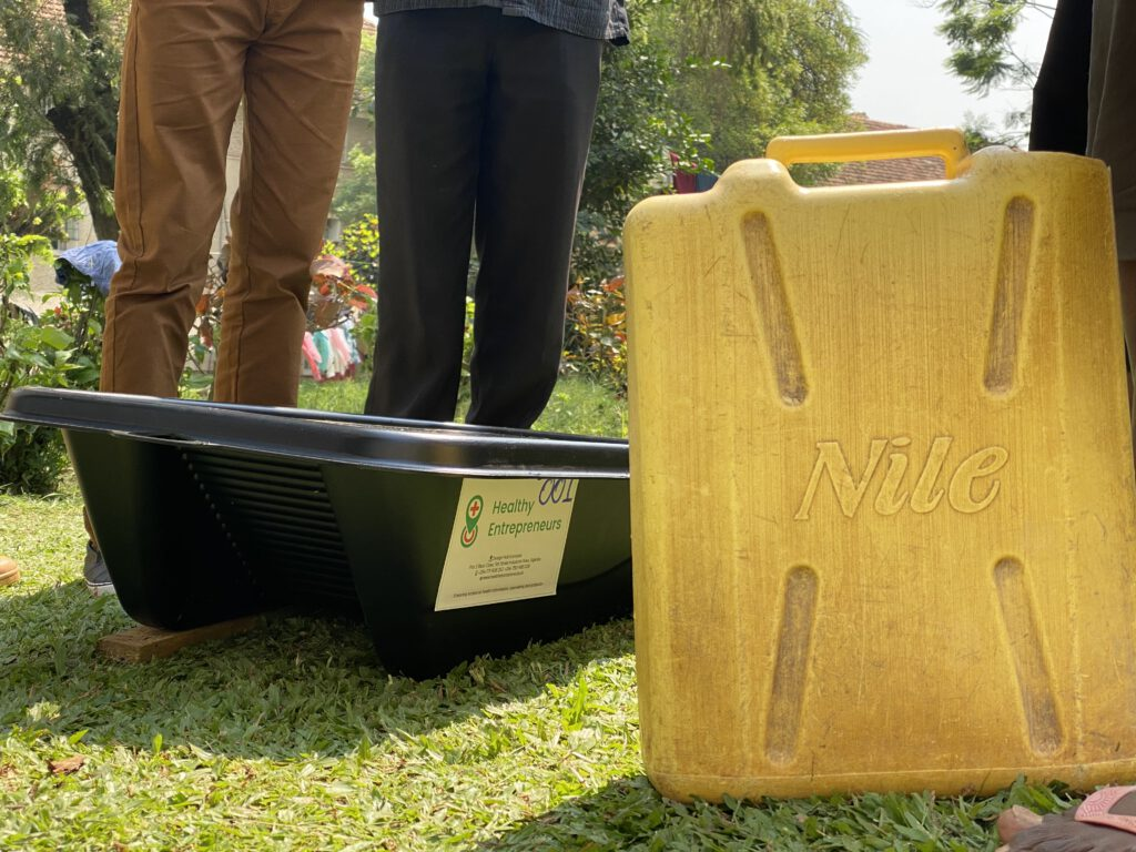 The first batch of Solar Soakers was produced in the Netherlands and have been shipped to Uganda and Kenya
